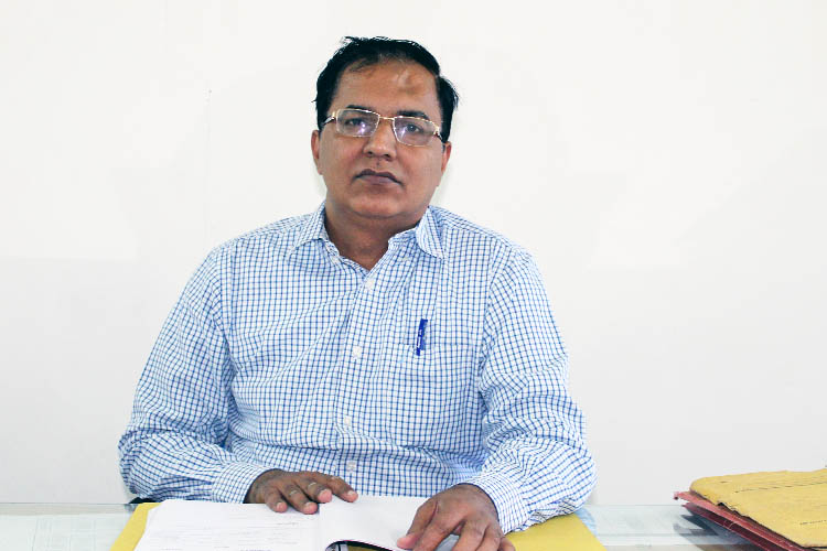 Dr. Manoj Wadhwa ,Professor & Head